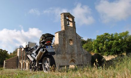 Saint Mary of Cartignano, Bussi sul Tirino